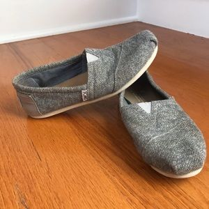gray toms, good condition
